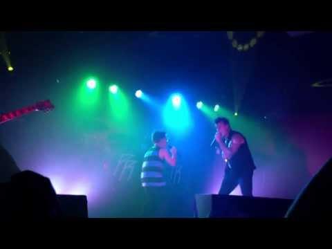 Jaco & Jagger Shaddix singing Papa Roachs Still Swingin