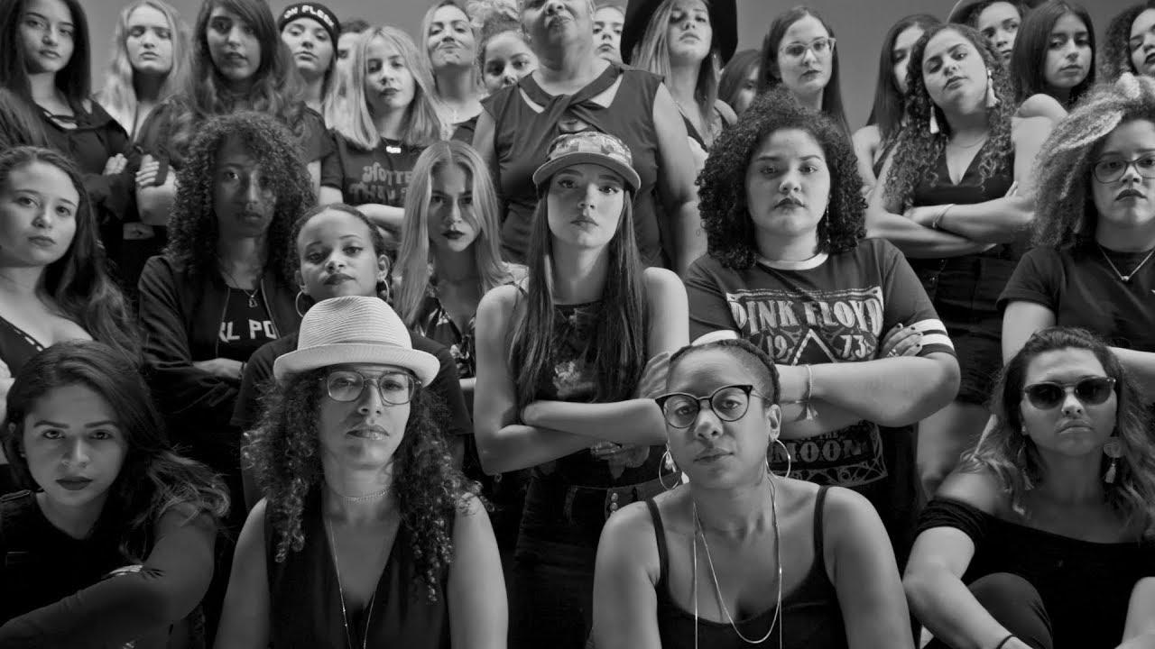 PJ Sin Suela - Mueve La Chola (Video Oficial)