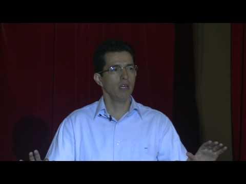 Bueno vs sobresaliente: Hector Aguilar at TEDxPuntaPaitilla