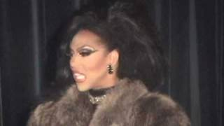 "Shangela: ""Turn Me Out"" @ Micky"