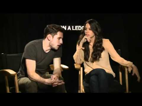 Man on a Ledge Funny  Genesis Rodriguez & Jamie Bell