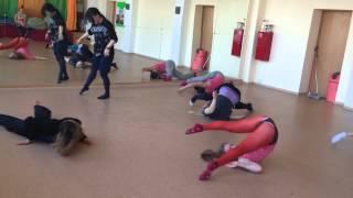 Мастер-класс Баины Басановой в студии танца Juicy Carrots. Контемпорари