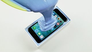 what-happens-if-you-trap-an-iphone-7-in-rubber