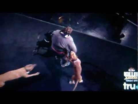 killer karaoke -man attacked by dogs