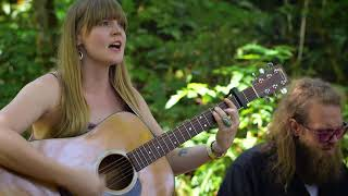 Courtney Marie Andrews - Table for One - On the Farm @Pickathon 2017 S05E10