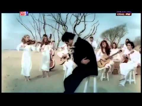 Mahsun Kırmızıgül - Vefasız [Disloyal] - English Translation Subtitles. HQ