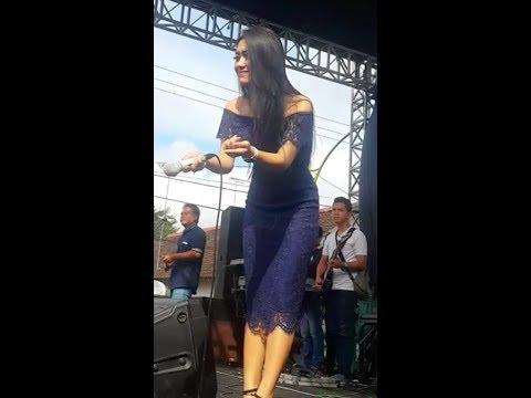 Vita Alvia - sing biso - live onE nada music