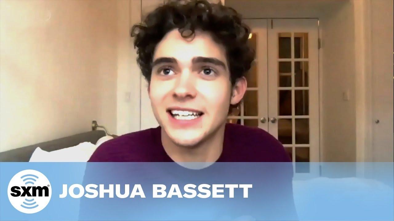 Joshua Bassett Sings to Olivia Rodrigo on New Episode of HSMTMTS #SHORTS