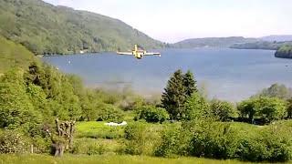 Canadair sur le Lac de Laffrey
