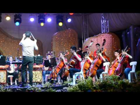 NUS Chinese Orchestra performed 'Moon in City'