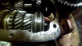 видео КПП УАЗ: схема сборки и монтаж коробки передач