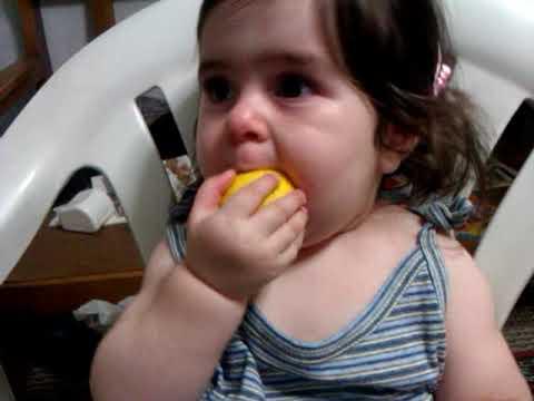 SELİN NAZ DURAN 1 YAŞINDA Limonla ilk tanışma BABY FIRST LEMON TEST