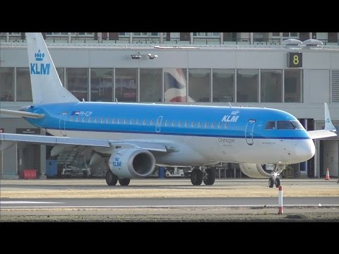 Planes at London City Airport, LCY | 11-04-17