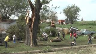 Confirmed tornado causes damage in Iowa