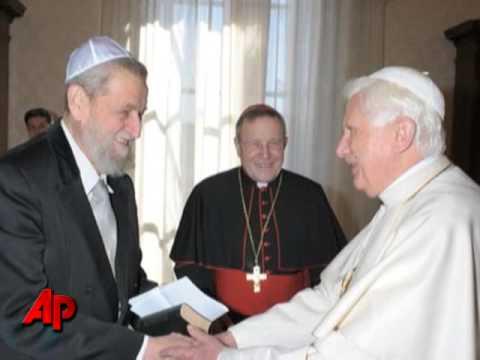 Pope Urges Mideast Peace During Stop in Jordan
