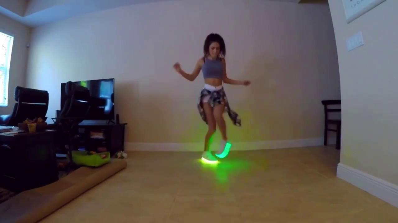 Shuffle dance - Light up LED shoes