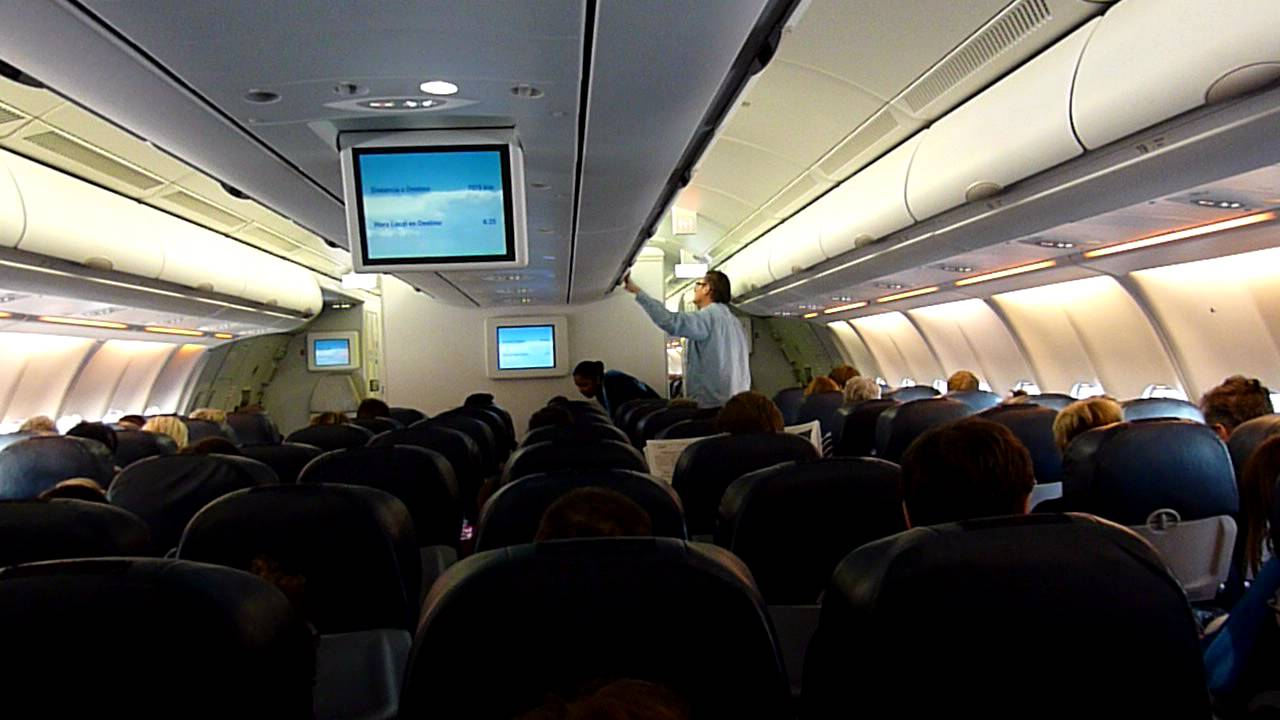 Interieur D'un Avion Xl Airways Orbest Orizonia Xl Airways Airbus 330 300 Cabin Announcement Xlf 036 Paris To Punta Cana