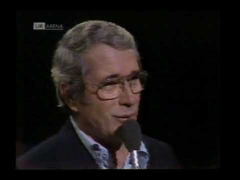 Perry Como - It's Impossible [Parkinson - 1977]