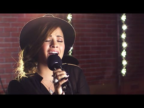 Demi Lovato - Heart Attack (Capital FM Session)