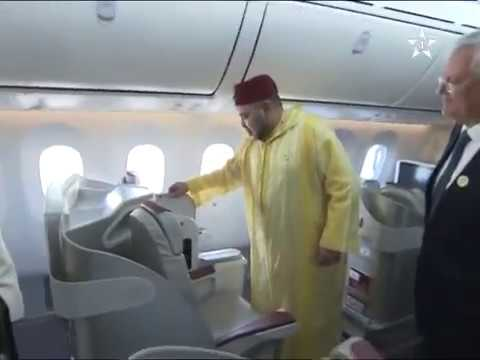 Mohamed VI inaugure le 1er/5 Boeing 787 dreamliner royal air Maroc