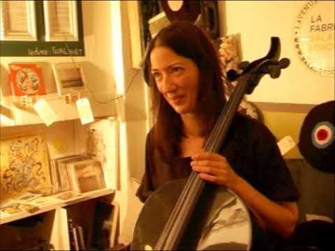 Julia Kent  21/05/12  Paris, Balades Sonores record store