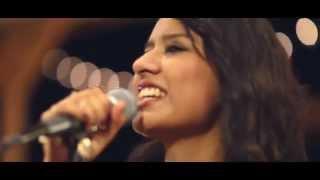 Shout Hosanna (Cantamos Hosanna)  Español Irma Cristina (Passion)