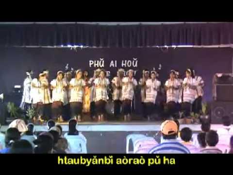 Kayan dancing music video