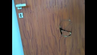 Como reparar puerta placa con agujeros/how to repair door with holes/ ramen?