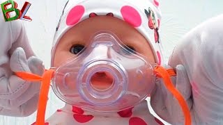 Детки  ЗАБОЛЕЛИ Игра в Доктора с Куклой БЕБИ БОН Лечим Кашель Как МАМА