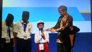 Video NGAKAK!!Anak SD Keceplosan Ngomong ikan Tongkol tapi jadi Ikan K*NT*L depan Jokowi download MP3, 3GP, MP4, WEBM, AVI, FLV Mei 2018