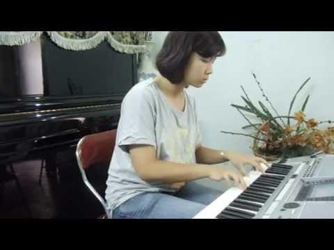 Làng Quan Họ Quê Tôi-Thu Trang organ.