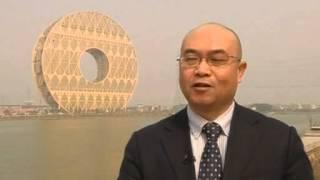 В Китае построили круглый дом высотой 33 этажа(В Китае завершается строительство здания в форме диска. Создатели проекта настаивают, что хотели сделать..., 2013-12-29T14:40:58.000Z)