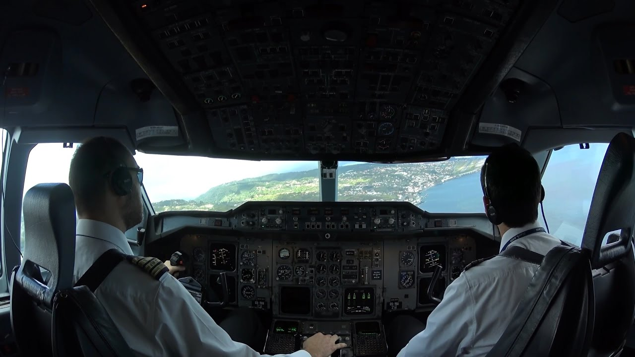 A310 cockpit view landing at Madeira | Funchal