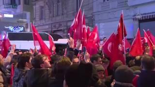 مصر العربية | مواطنون أتراك يتظاهرون أمام قنصلية هولندا في إسطنبول