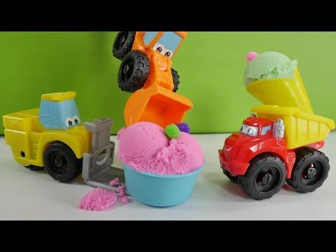 Видео для детей: Маша готовит МОРОЖЕНОЕ для Чака и его друзей. Кинетический песок и игры для детей