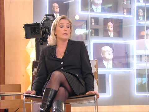 En aparté avec Marine Le Pen le 06/03/2007
