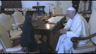 Pope meets with Rome's new mayor Virginia Raggi