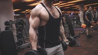 PUMPING UP GIANT RIPPED MUSCLES AND FLEXING WITH BIG BODYBUILDER SERGEY