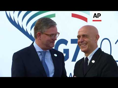 Ministers, commissioners arrive for G7 summit