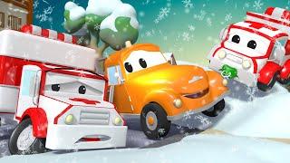 救急車のアンバーのエンジンがつかない!? 🚗レッカー車のトム l 子供向けトラックアニメ   Japanese Car Cartoon for Kids