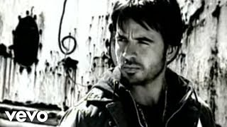 Luis Fonsi - Estoy Perdido (Official Music Video)