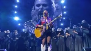 Download Miranda Lambert Performs Emotional Rendition Of Tin Man With Her High School Choir Mp3 and Videos