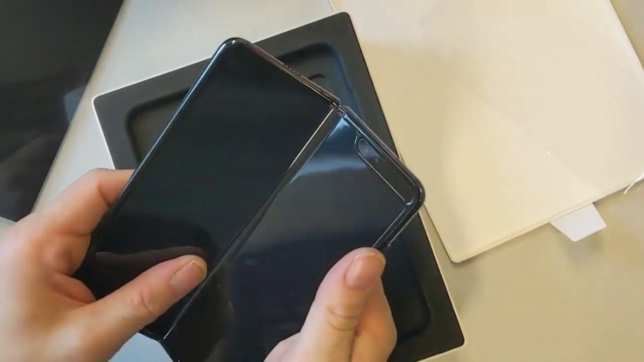 Unboxing: Samsung Galaxy Fold