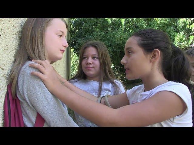 Jeanpaulcostevideos une fille differente fiction-court metrage  discrimination / harcelement
