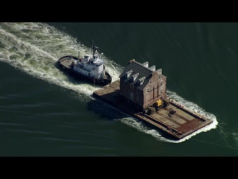 The Laurie DeYoung Show - Maryland Man Moves Historic Home Via Barge