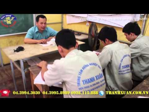Lớp sửa chữa xe máy lý thuyết tại Dạy nghề Thanh Xuân