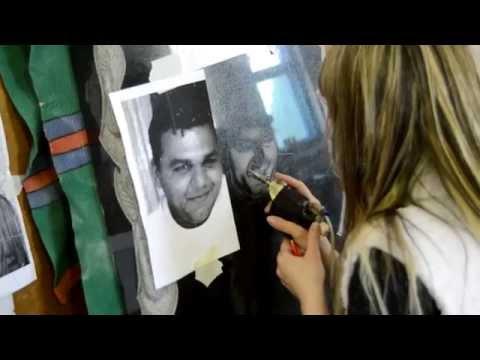 видео: Гравировка портрета на граните