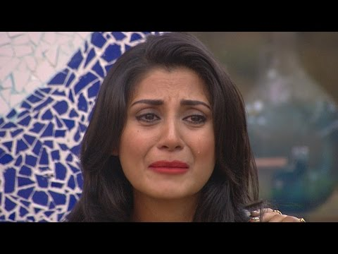 Bigg Boss 9 | Salman Khan Makes Rimi Sen Cry !