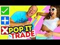 TRADEO de POP IT y REGALOS 💥TERMINA EN LOCURA!💥 Intercambiamos FIDGET TOYS!! | Yippee Family