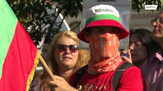 Bulgaria: Protesters hurl eggs at anti-govt rally outside parliament in Sofia